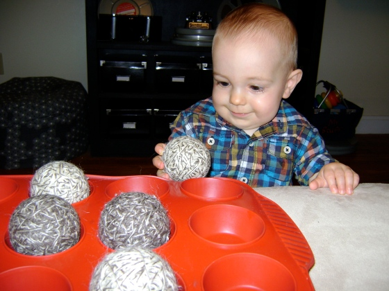 Easy Puzzle {Playing With Baby, Day 2} - finddailyjoy.com