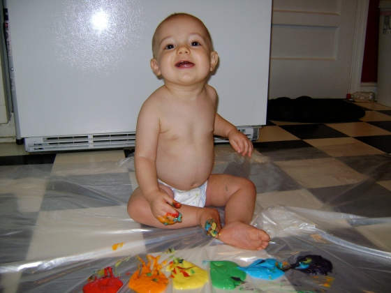 Sweet Smelling Finger Paint {Playing With Baby, Day 13} - finddailyjoy.com