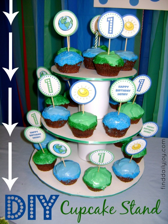 Cupcake Stand {Tutorial} - finddailyjoy.com