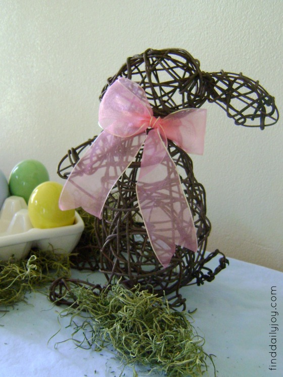 Simple Easter Mantel - finddailyjoy.com