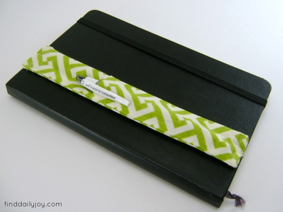 Pinterest Project - Notebook Pen Holder - finddailyjoy.com